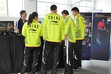 China Badminton Team visiting the Vinqui Stand